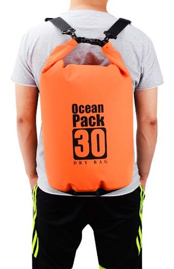 polyester dry bag with strap with adjustable shoulder strap for kayaking