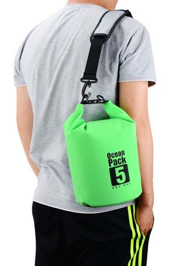 light Waterproof dry bag with adjustable shoulder strap for kayaking-2